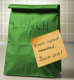 Photo of a green lunch bag.